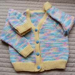 SIZE 3 -4 yrs: Hand knitted cardigan with matching beanie : acrylic, girl