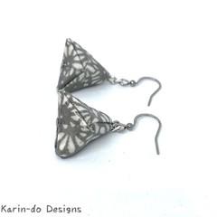 Origami Pyramid (Sankaku sui)  Drop Earrings -  Light grey & White