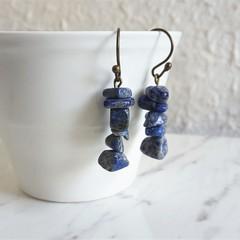 Antique Boho style Simple marble gemstone chip short drop earrings , Deep blue