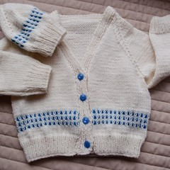 SIZE 3 yrs - Hand knitted cardigan and matching beanie, unisex