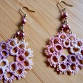 Tatting lace earrings (marble pink with pearl beads)
