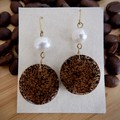 Coffee grounds resin earrings (circular with water pearl)
