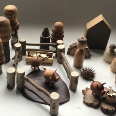 Toys of Wood - Piglet farm set