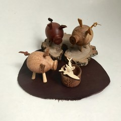 Toys of Wood Natural wooden lucky piglet set of three
