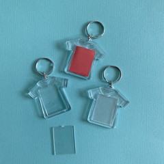 12 x T-Shirt Keyrings