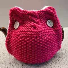 Tea Cosy Double Thick Design Opens Fully for Easy Fit