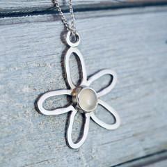 Moonstone daisy necklace | Sterling Silver flower pendant | June birthstone