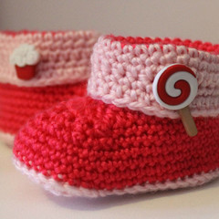 Candy Buttoned Baby Booties in Crimson & Baby Pink for 0-6 and 6-12 months