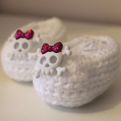Crocheted Baby Slippers with Cute Skull & Bows for 0-6 months