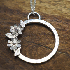 Silver daisy pendant | Sterling silver flower necklace  with leaves