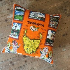 Vintage Linen Cushion w/ Feather Insert - Australiana / Tasmania