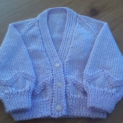 BABY GIRL'S LILAC V-NECKED CARDI TO FIT-3 MTHS IN PATON'S 4PLY ACRYLIC YARN.