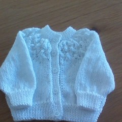WHITE LACE YOKE BABIES CARDIGAN TO FIT 2 TO 3 MONTHS.