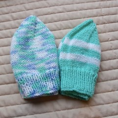 *Special * 2 beanies: (1-3yrs): Washable, unisex, winter, soft