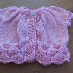 BABY GIRLS FIR CONE SHORT SLEEVE CARDI TO FIT 3 TO 6 MONTHS.
