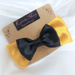 Emma Wiggle themed bows
