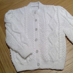 BABY ARAN  JACKET IN WHITE BELLA BABY BABY WONDER 4PLY TO FIT 6-12 MONTHS.