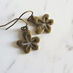 Cute Boho Minimal Antique Gold style small metal flower charm drop earrings