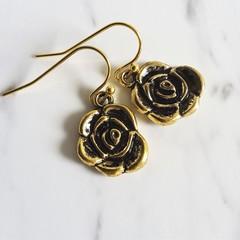 Dainty Simple antique / vintage Gold style Rose metal flower charm drop earrings