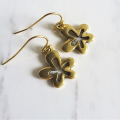 Simple cute bohemian vintage Gold style small metal flower charm drop earrings