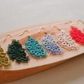 Tatting lace earrings (semicircular, coloured)