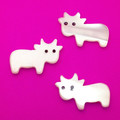 Freshwater Mother of Pearl Carved Cows  COW0001N