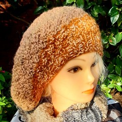 Large slouchy beret with buttoned closure