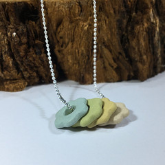 4 Little Flowers Necklace|Essential oil diffuser ceramic necklace|Aromatherapy