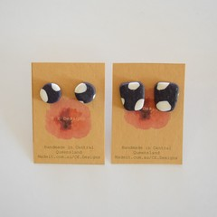 Navy & white spot polymer clay stud earrings