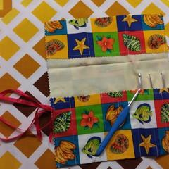 Crochet Hook Handy Wrap-Bright seaa shells fish print