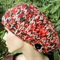 Very large red tweed buttoned beret