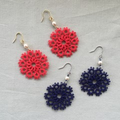 Tatting lace earrings with pearl beads (circular, coloured)
