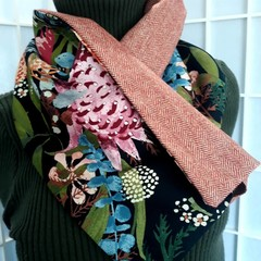 Botanical Collar Scarf Black with brooch