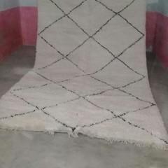 Gorgeous tribal Handmade Beni Ourain authentic Moroccan rug 298cmx460cm