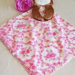 Huggie pink blanket Dog
