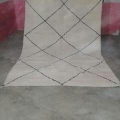 Gorgeous tribal Handmade Beni Ourain authentic Moroccan rug 195cmx285cm