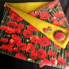 Poppy Scarf Black with brooch