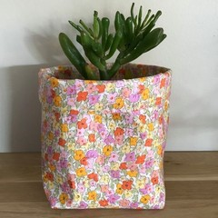Small fabric planter | Storage basket | Pot cover | VINTAGE FLORALS