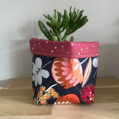 Small fabric planter | Storage basket | NATIVE FLOWERS