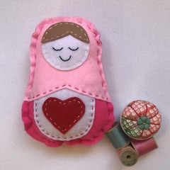 RUSSIAN DOLL SEWING KIT - SMALL LIGHT PINK