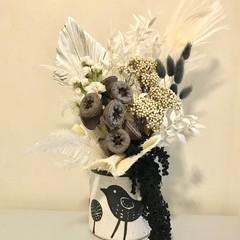 Magpie - Dried flowers arrangement - Black & white - 39x25cm - Boho - Bird