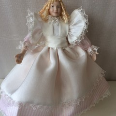 1/12th Hand Made Porcelain Doll Amy March  Little women