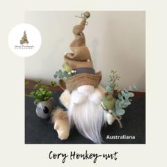 Nisse / Gnome 'Cory Honkey-nut' -28cm FREE SHIPPING