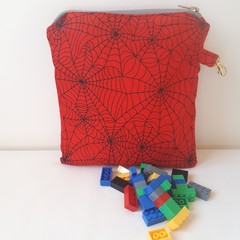 SPIDER WEB BAG WITH CLASP