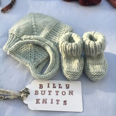 Newborn Cosy Bonnet and Booties set