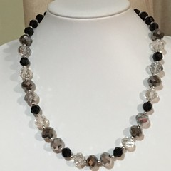 NECKLACE CRYSTAL GLASS BEADS