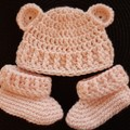 Premmie/Newborn baby girl crochet bear hat with matching booties FREE POSTAGE