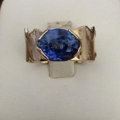 Unheated Ceylon Blue Sapphire ring.