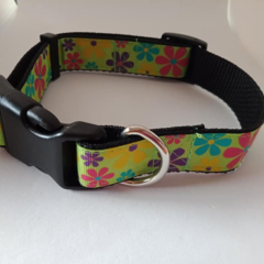 Bright flower print dog collar