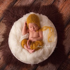 Newborn Knitted pants with matching bonnet